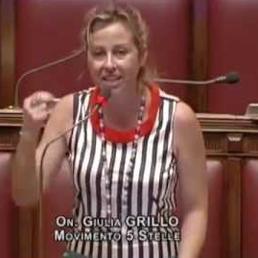 Giulia Grillo (M5S): Ssn fortissimo e privato residuale. Assoluta trasparenza sul pharma. Piccola de